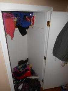 Closet Before3
